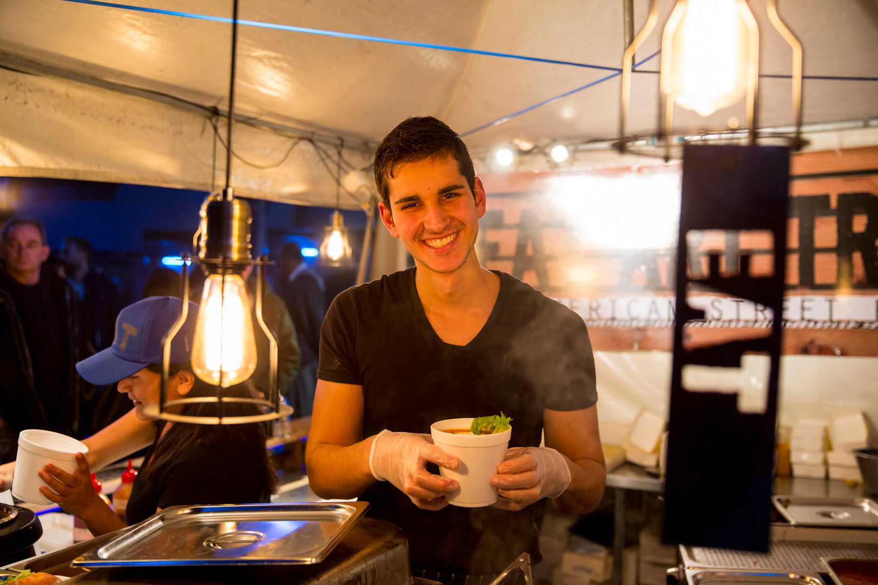 Vivid-Sydney-2014_Food-Trucks_James-Horan_DNSW-027