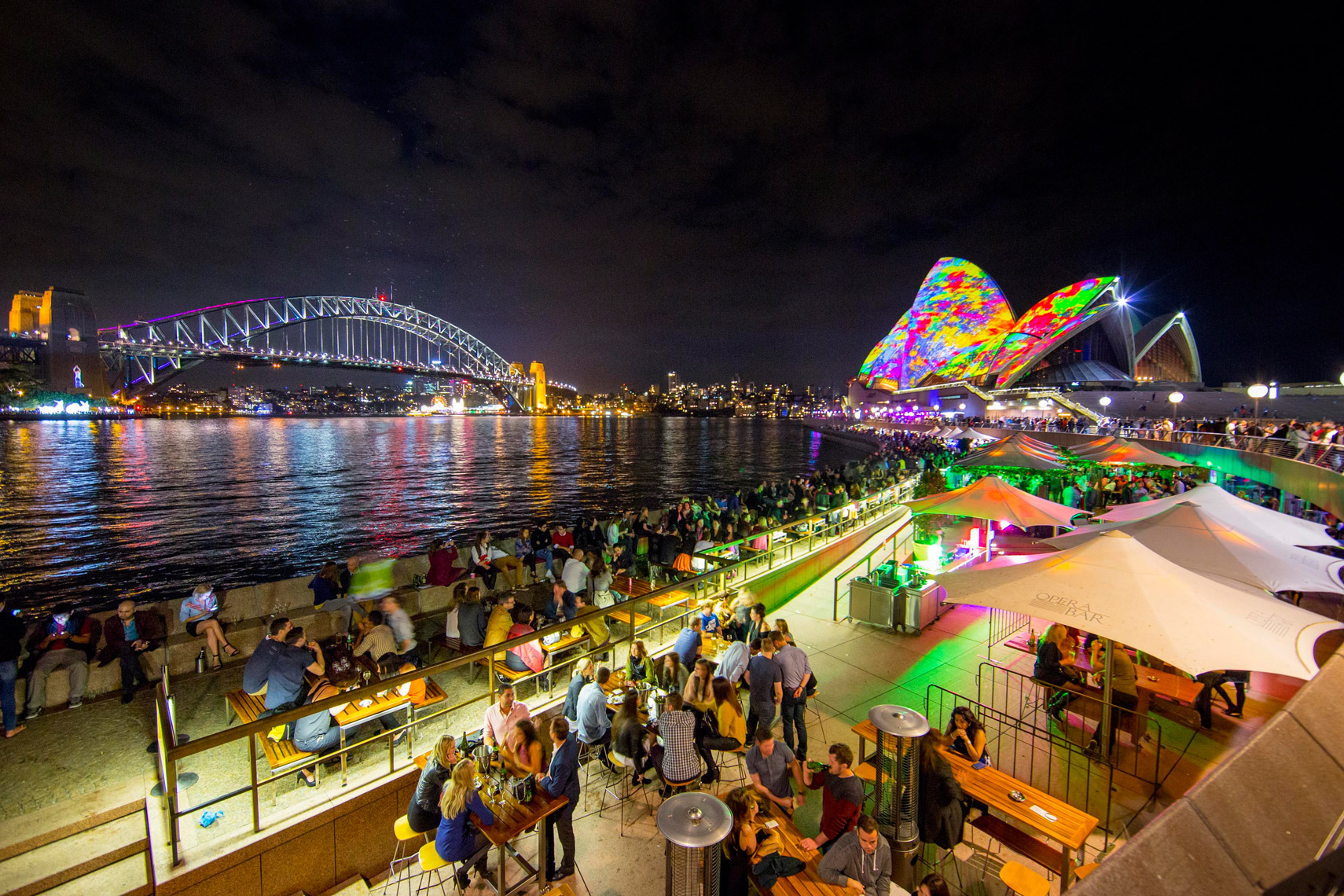 Vivid-Sydney-2014_Lighting-the-sails_Opera-Bar_James-Horan_DNSW_779