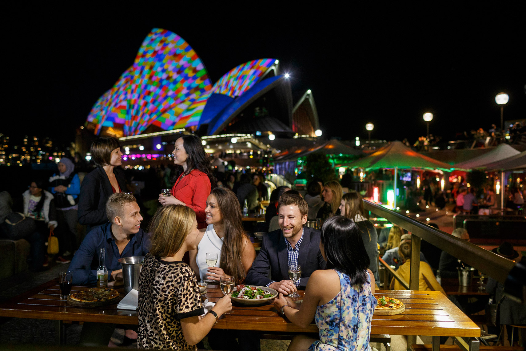 Vivid-Sydney-2014_Opera-Bar_Sydney-Opera-House_James-Horan_DNSW_089