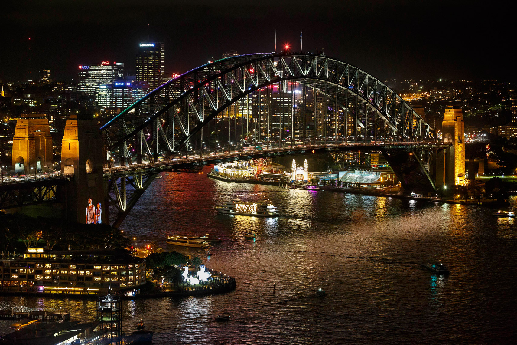 Vivid-Sydney-2014_Sydney-Harbour-Bridge-from-AMP-Tower_James-Horan_DNSW_011