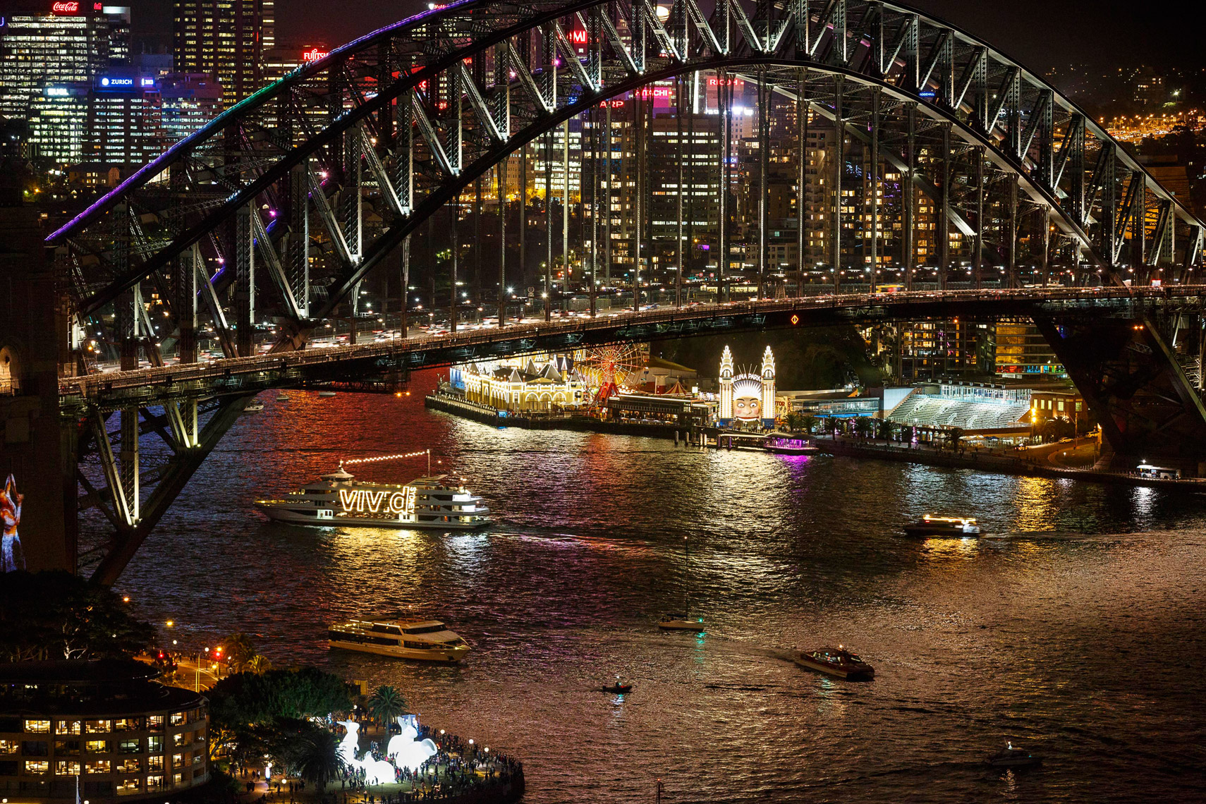 Vivid-Sydney-2014_Sydney-Harbour-Bridge-from-AMP-Tower_James-Horan_DNSW_023