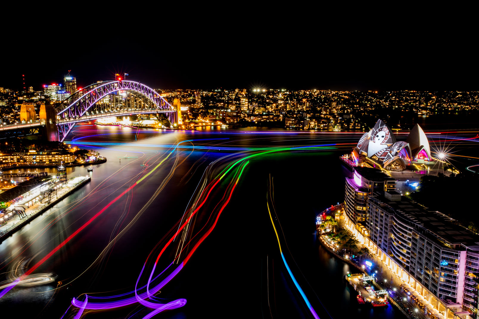 Vivid-Sydney-2016_opening-night_Clr-Quay_Harbour-Lights_Songlines_CREDIT-Destination-NSW_JH-001B