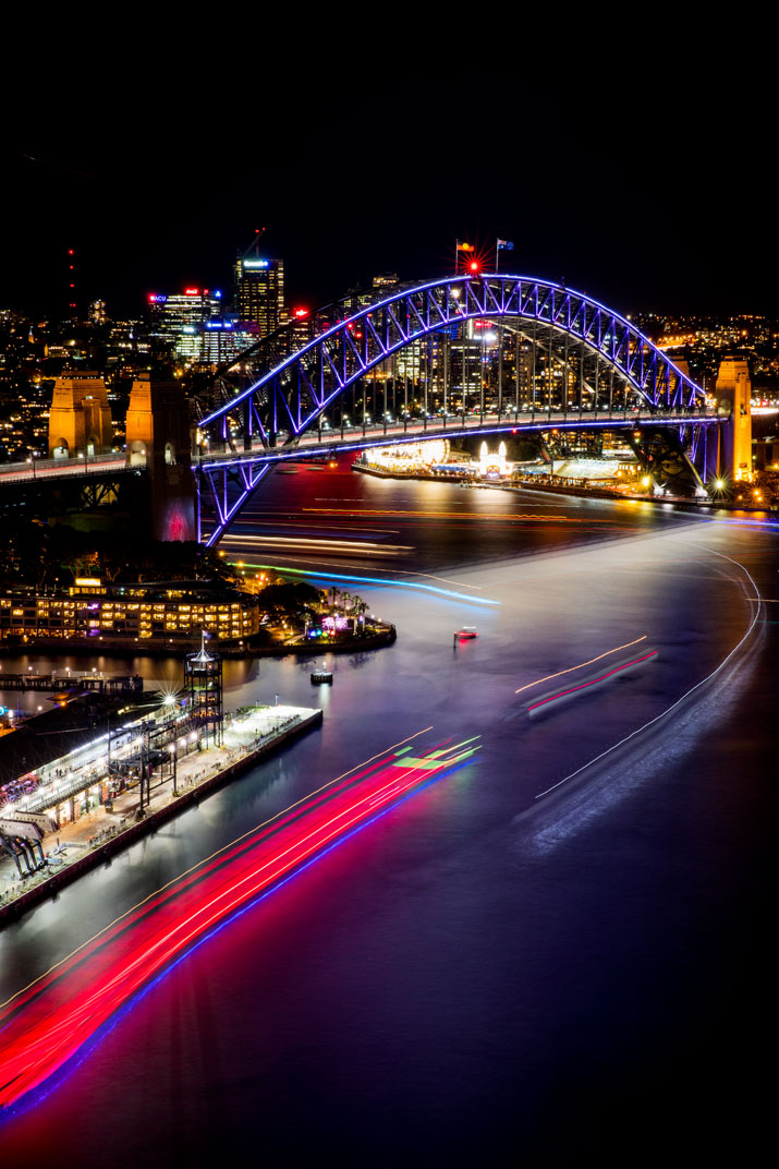 Vivid-Sydney-2016_opening-night_Clr-Quay_Harbour-Lights_Songlines_CREDIT-Destination-NSW_JH-002